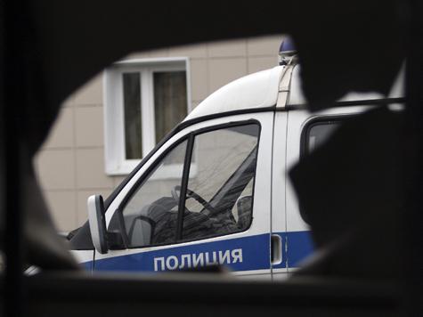 Рецидивист убежал из одной полицейской машины под колеса другой