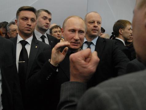 Путина не свергнут. Так же, как и Саакашвили
