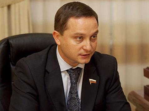 Депутат Худяков победил торговцев дипномерами