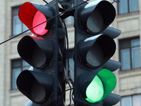 Светофор для пешеходов начнет светить из-под ног