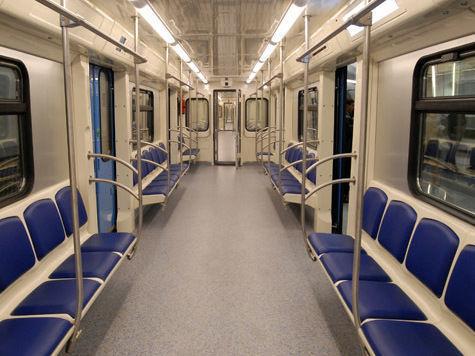 Продолжаются сбои метро в Москве. Там же и те же)))