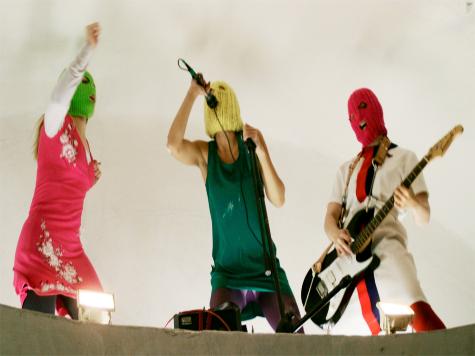 Феминисток задержали на Красной площади