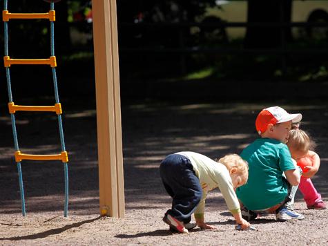 Детсадам разрешили стоять в парках