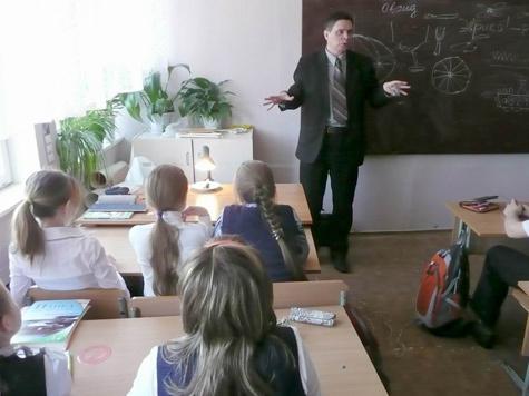 Сельчане отобрали школу у бюрократов
