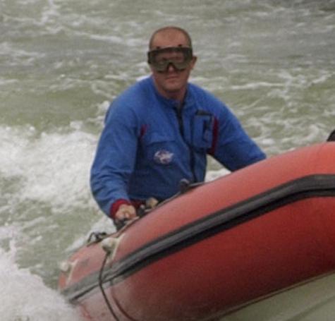 Москвич запачкал новую лодку кровью отдыхающих
