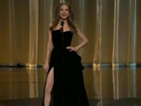 Правая нога Анджелины Джоли завела Twitter