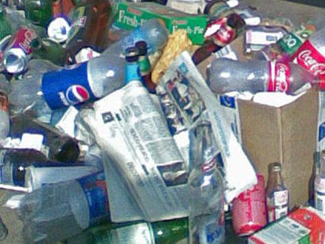 Москвичи разделят мусор по сортам около супермаркетов