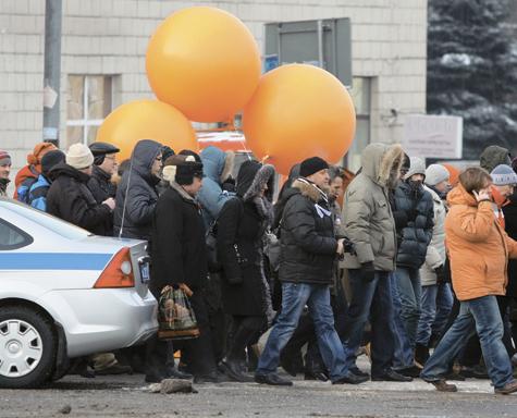 Первомайское бедствие: сплошные шествия