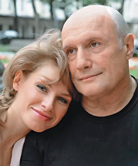 Домработница Пороховщикова рассказала «МК», каким артист видел памятник на своей будущей могиле