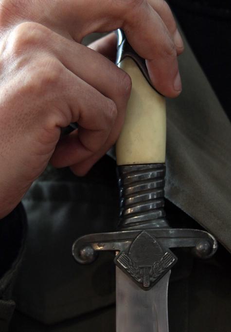 Чеченца, ранившего ножом фаната, хотели спрятать