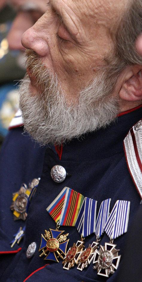 Ветеранов на чужбине поддержат рублем