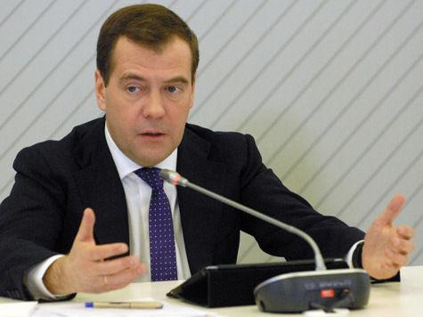 Медведев пообещал провести газ и воду в деревни