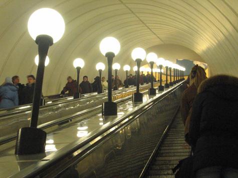 В метро перед Новым годом споют колыбельную