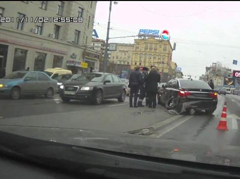 Мигалка угодила в аварию, убегая от другого авто