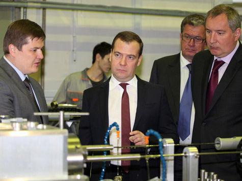 Медведев хочет помочь компании, пострадавшей от разоблачений Навального