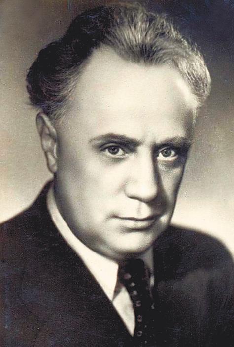 Михаил Жаров.
