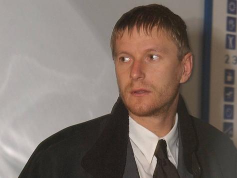 Кафельников судится за элитную квартиру в Москве