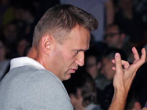 Навальный разгромил приемную Путина