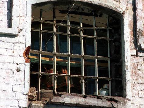 В Туве задержан водитель, врезавшийся в остановку