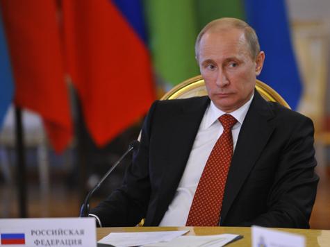 Путин упал в глазах общественности