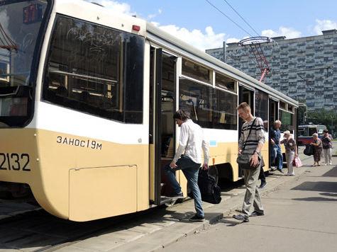 Водитель трамвая будет юристом и психологом водном лице