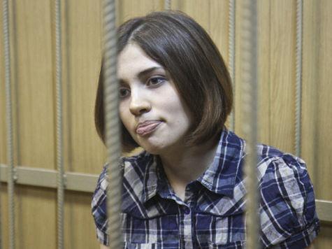 Толоконникова не выходит на связь с адвокатами более 60 часов