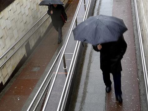 Изобретатель «научил» зонт плеваться