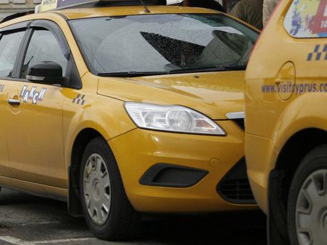 Таксистов пустят на выделенные полосы