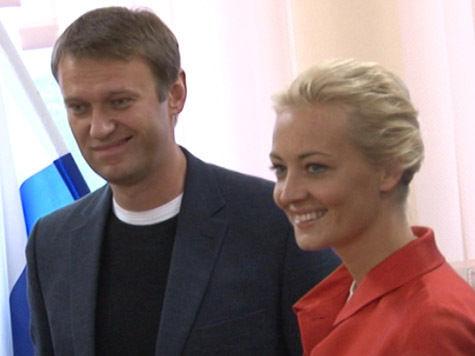Навальный проголосовал на выборах, а его жене пришлось переодеться «из-за слежки»