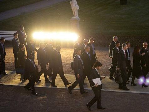 """Участники саммита """"двадцатки"""" успокоили нервы роскошным светошоу"""