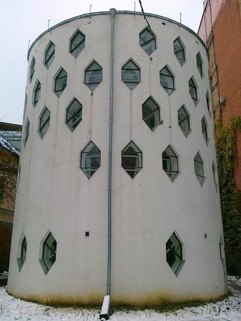 Дом архитектора замерзает, но не сдается
