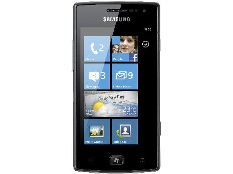 Самсунг представила первый смартфон на Windows Phone
