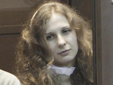 Суд о смягчении наказания Алехиной отложен почти не начавшись