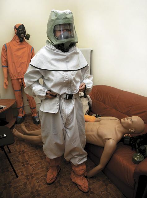 Для президента сшили костюм на случай ядерной войны