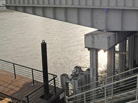Заводы предлагают оградить от Москвы-реки
