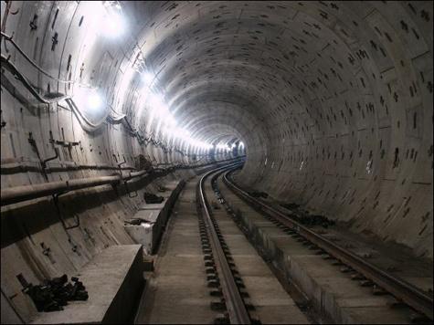 Работники метрополитена выкурили пассажиров