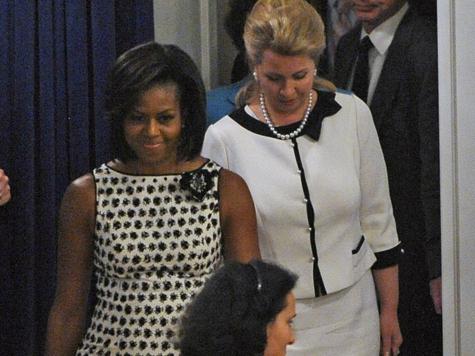Полицейский отстранен от службы из-за угроз убить супругу Обамы
