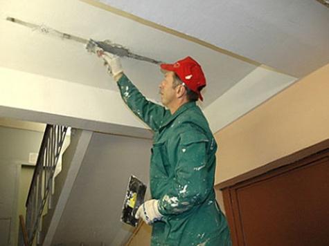 Рубцовским городским судом удовлетворены требования прокурора о возложении на управляющую компанию обязанности по обеспечению проведения ремонтных работ и устранению дефектов после проведения капитального ремонта дома