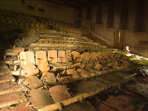 Кому нужен единый билет в кино?