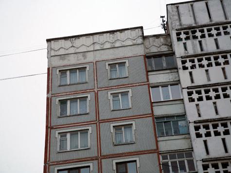 Женщина не смогла спасти внука прыжком из окна