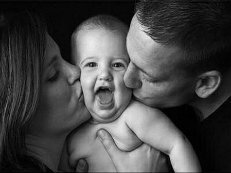 Для младенцев все папы и мамы на одно лицо
