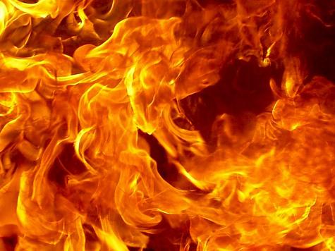 Перед самоубийством мужчина решил поиграть с огнем