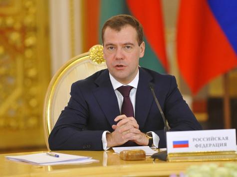 Медведев помиловал женщину, осужденную после жалобы Путину