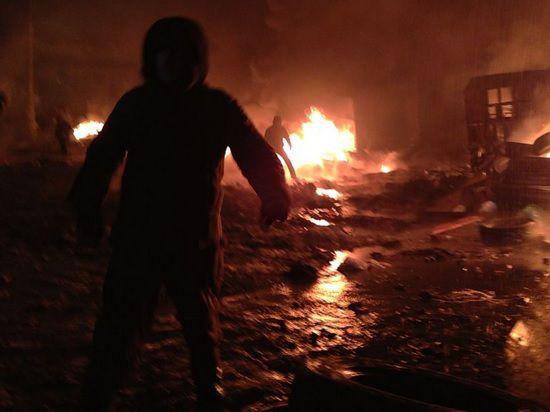 Евромадановцы подрались с протестующими в Николаеве и снесли их лагерь - ранены 10 человек