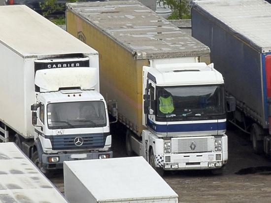 Москве грозят дефицитом продуктов из-за проблем с грузоперевозками