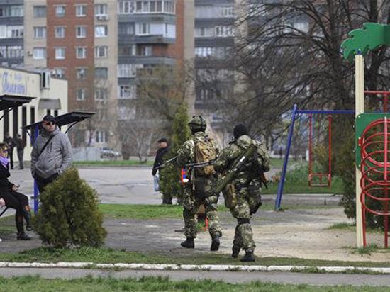 Украинская трагедия: БМД расстреляла ополченцев в Краматорске; Аксенов заявил, что Янукович отдаст приказ армии задержать