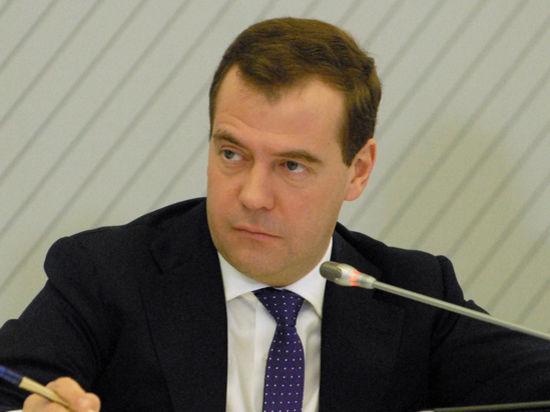Медведев усилит боеготовность авиации