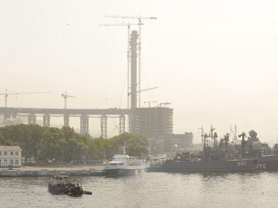 Во Владивостоке разваливается главная набережная, отремонтированная к саммиту АТЭС-2012