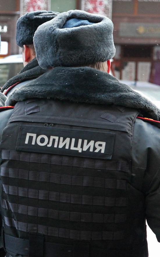Грабители ранили московского полицейского, защищавшего женщину