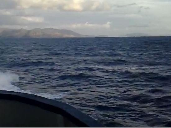 Российских моряков, потерпевших крушение у берегов Крита, спас плот и гидрокостюмы